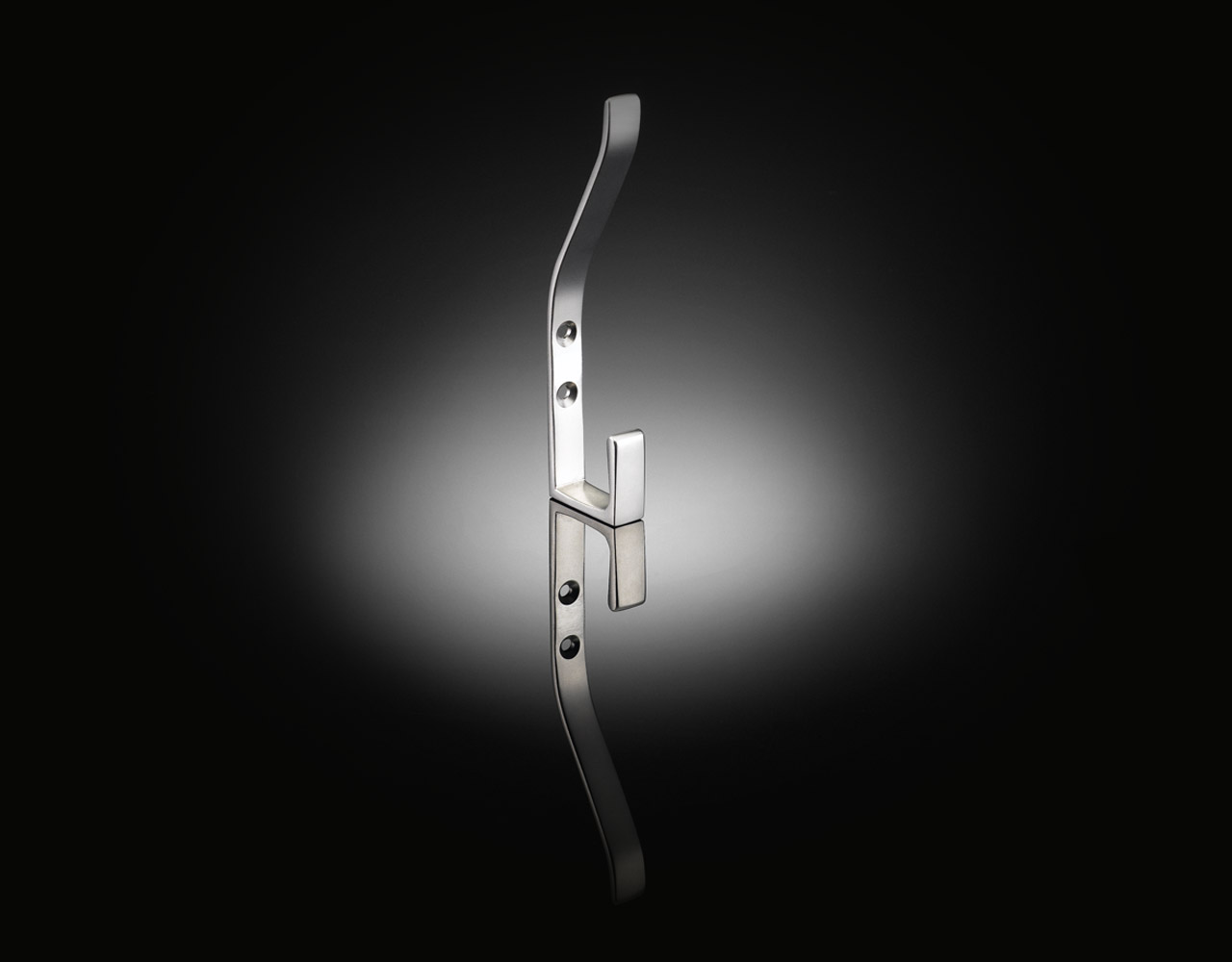 izé luxury coat hook by Architect Ian Ritchie IRH01