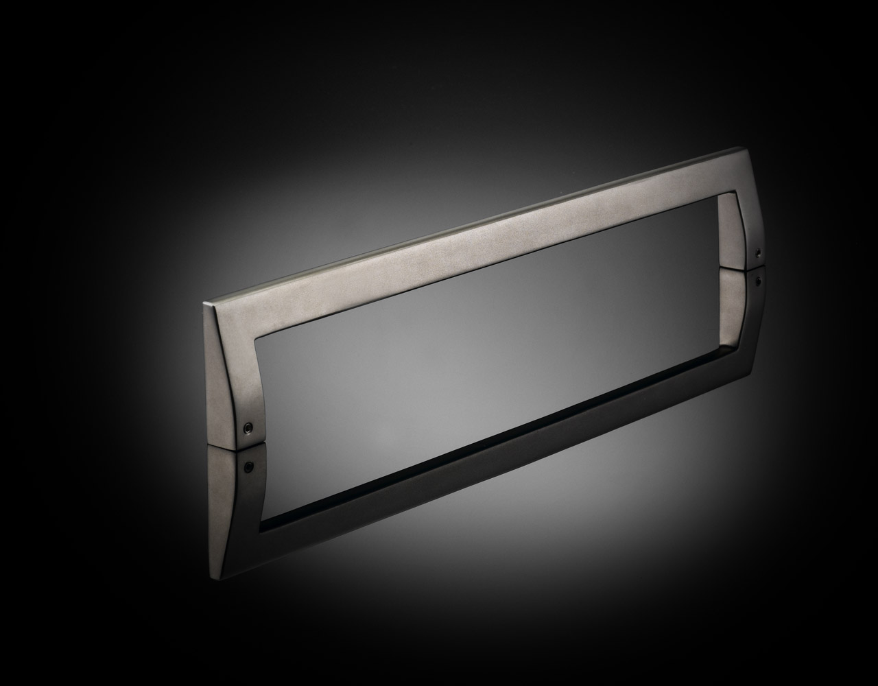 IRP01 bespoke pull handle from Ian Ritchie supplied by izé in Satin Nickel finish