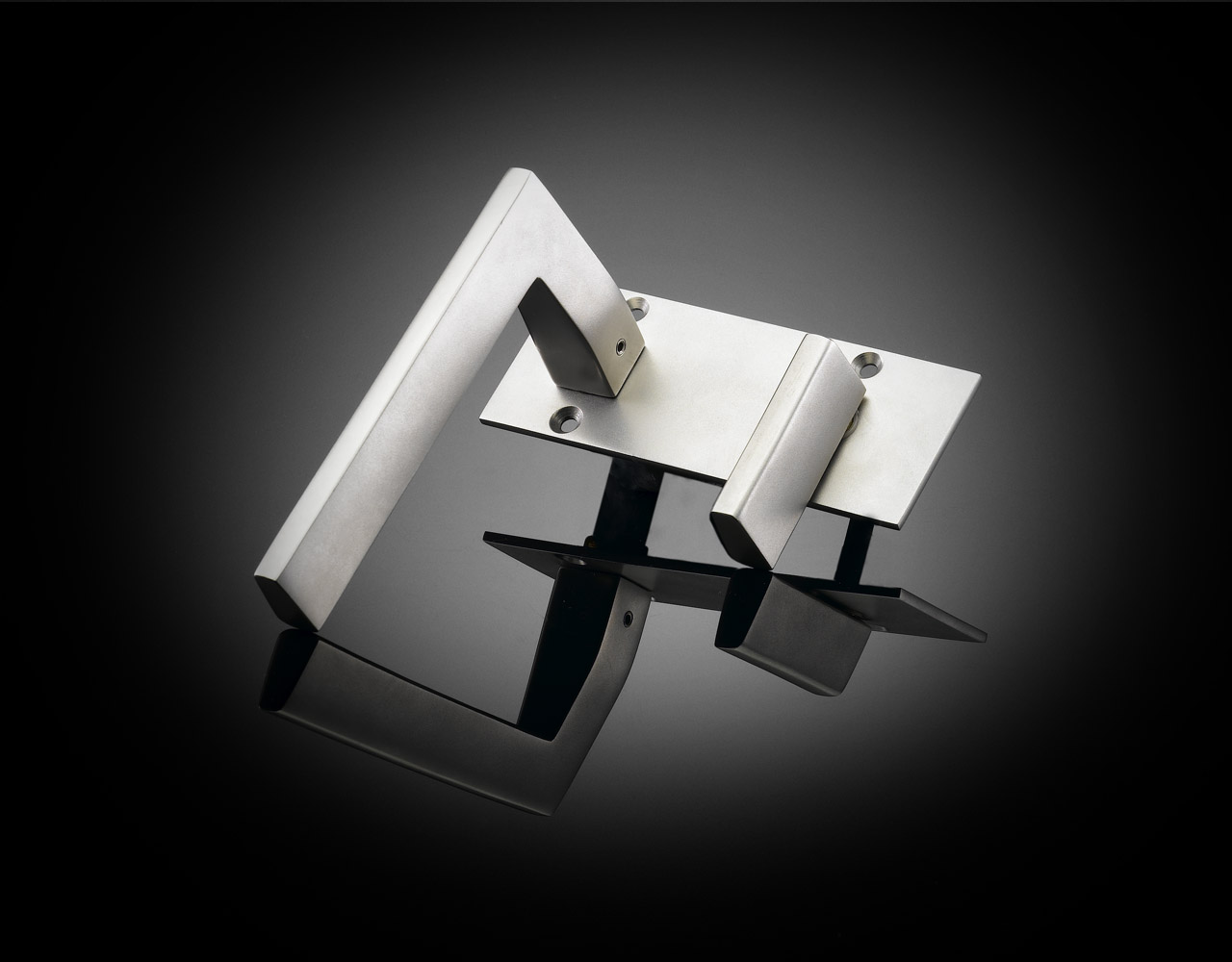 IRT01 Ian Ritchie designed luxury bathroom turn in satin chrome from ize