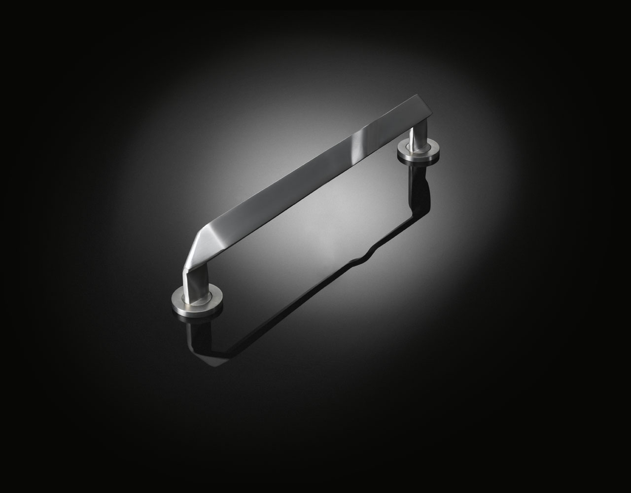 Michel Mossessian designed stainless steel pull handle from izé MMP01