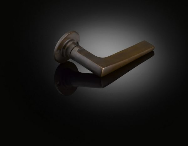 Max Burchartz deisigned extended Lubetkin lever handle in dark bronze finish by izé MZL03