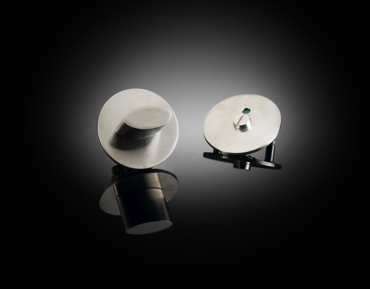 Robin Partington designed custom bathroom turn in satin stainless steel from izé RPT01