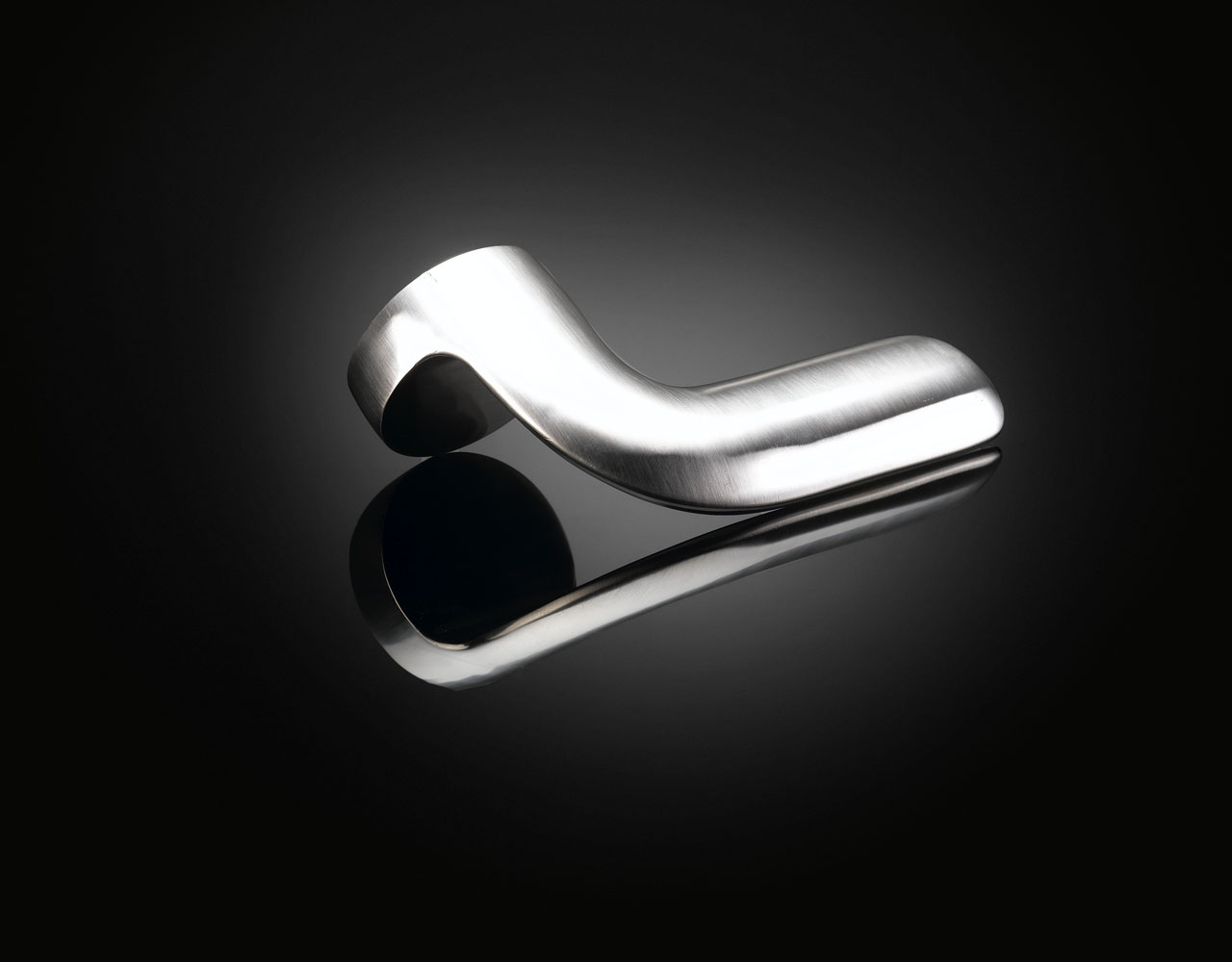 Sebastian Bergne Iota lever handle SEL01 in satin stainless steel by izé