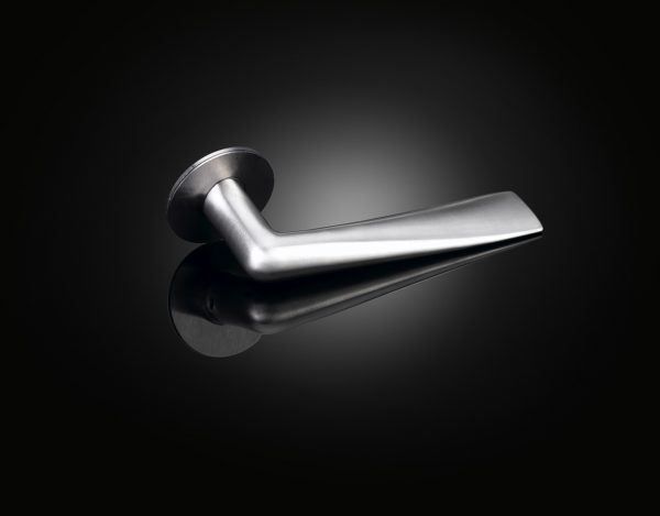 Lars Vejen lever handle SHLL01 in satin chrome by izé