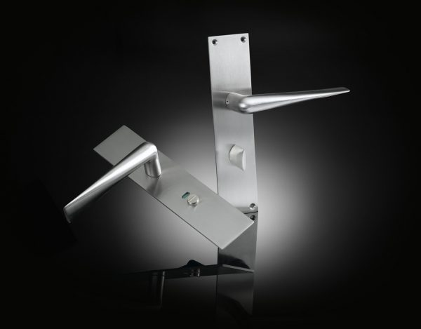 Luxury door handle on back plate with privacy set designed by Lars Vejen in Satin Chrome finish from izé SHLT01