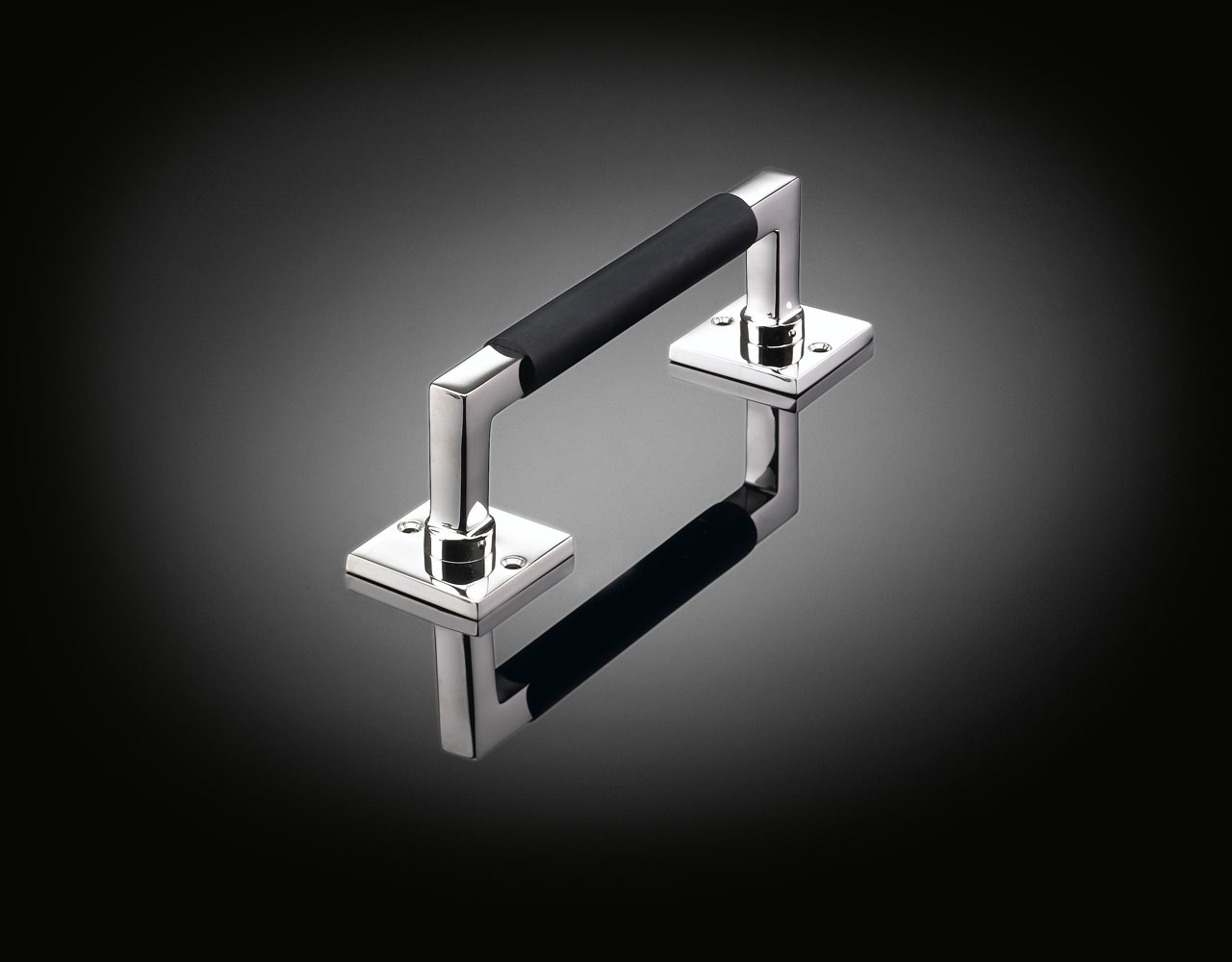 WGP02 Luxury pull handle with ebony grip by Walter Gropius from ize