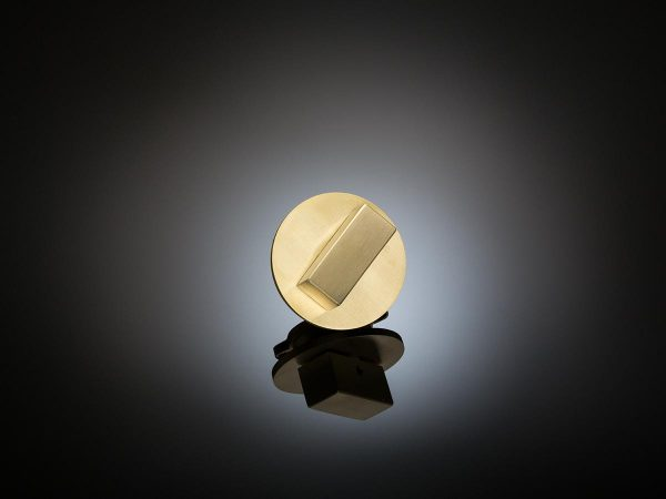 LAT01 Architect-designed luxury bathroom turn by Patrick and Claudia Lynch in satin brass by izé