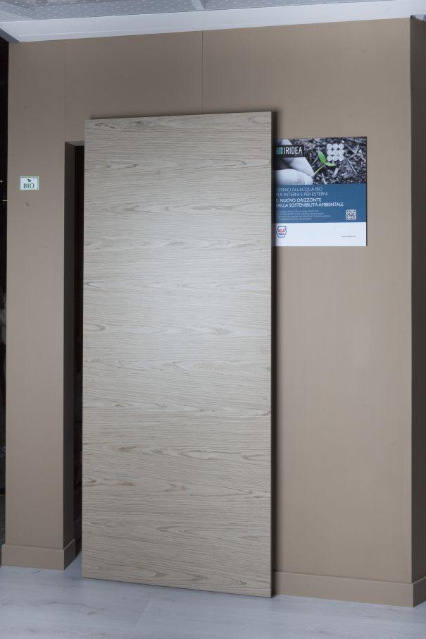 Luxury sliding door gear with picture frame mechanism