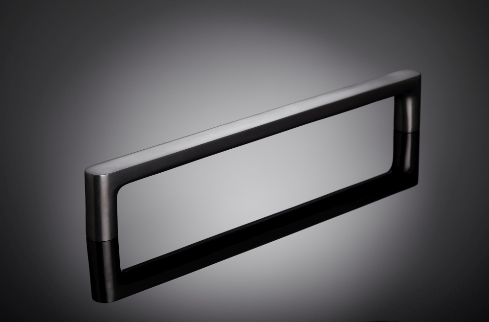pull handle by mies van der rohe inspired by Mansion House